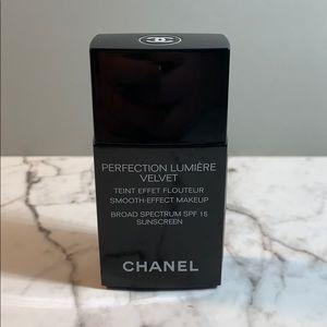 Chanel 10 Beige Perfection Lumiere Velvet